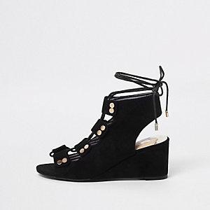 Sandales noires lacées à petit talon compensé