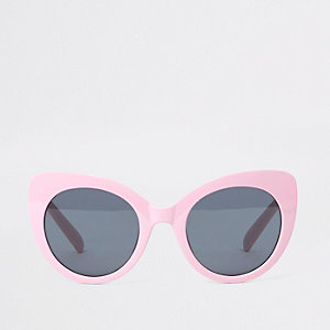 Pink oversized plastic cat eye sunglasses