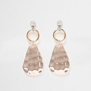 Gold tone hammered plate drop earrings