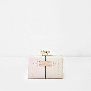 Roze kleine portemonnee met parel en stras en druksluiting