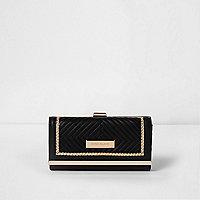 Zwarte portemonnee met druksluiting en gewatteerd paneel
