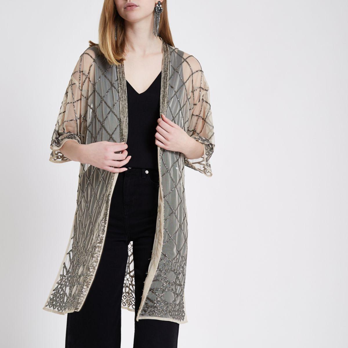 Beiger Kimono mit Perlenverzierung