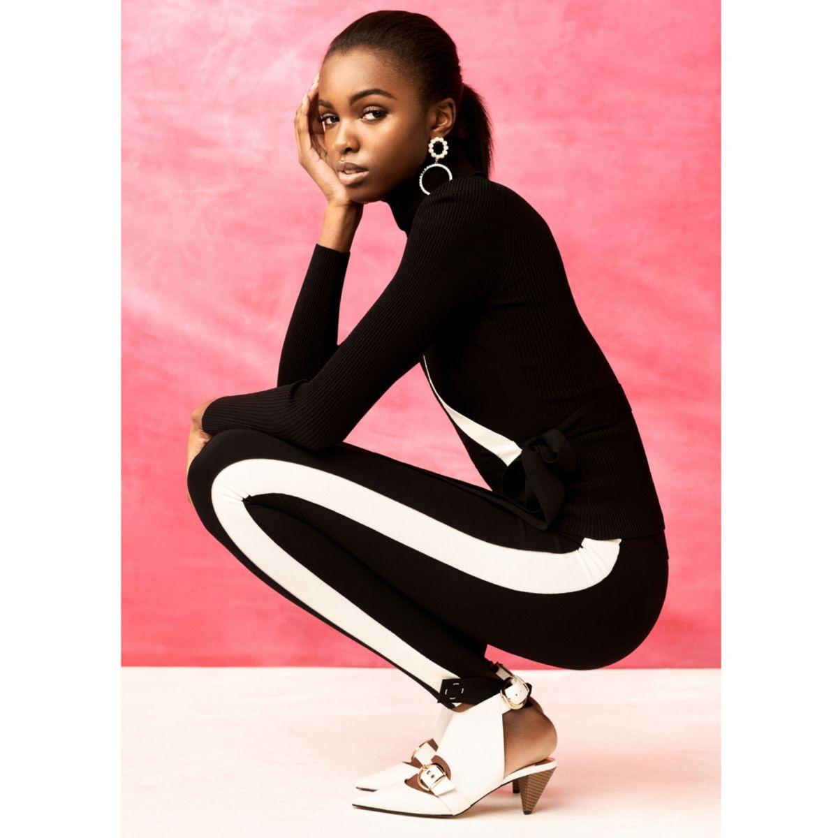 RI Studio - Zwarte jersey legging met voetband