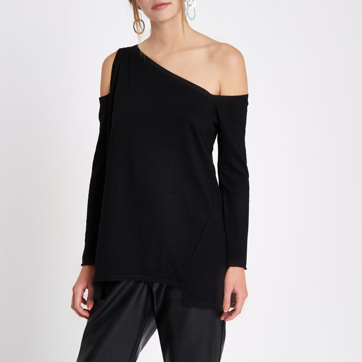 Black asymmetric one shoulder knitted top