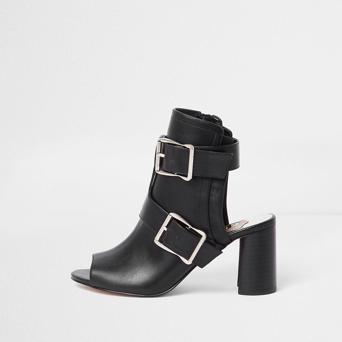 Zwarte schoenlaarsjes met blokhak en meerdere gespen