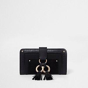 Zwarte portemonnee met kwastjes en ringen