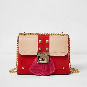 Petit sac bandoulière chaîne rouge avec fermoir à franges