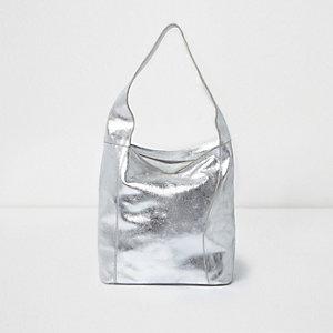 Beuteltasche in Silber-Metallic aus Leder