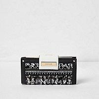 Black boucle front clip top purse