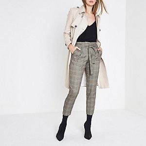 Pantalon fuselé à carreaux gris pailleté avec ceinture