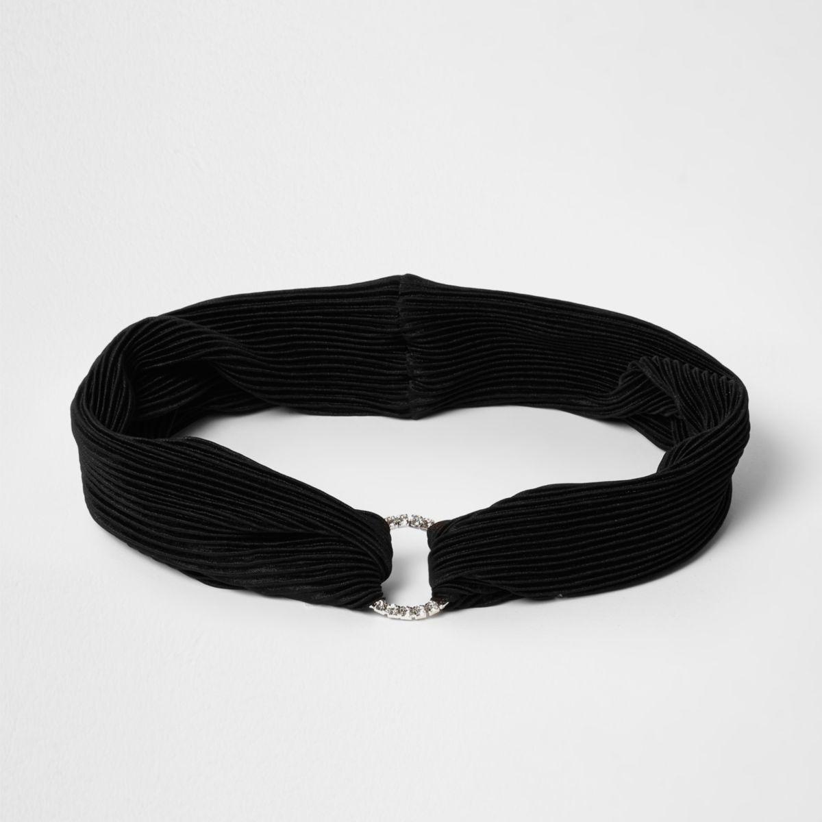 Zwarte geplooide hoofdband met cirkel bezet met diamantjes