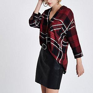 Rode geruite blouse met gekruist bandje op de rug