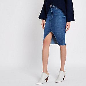 Jupe crayon en jean bleu moyen fendue sur le devant