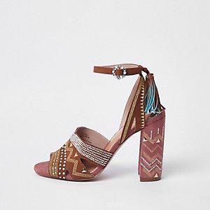 Sandales imprimé aztèque à talons carrés