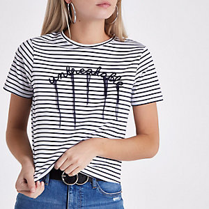 Petite – T-shirt «unbreakable» rayé bleu marine