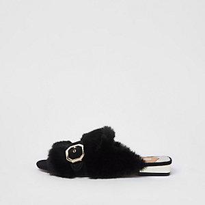 Mocassins peep toe en fausse fourrure noire style mules
