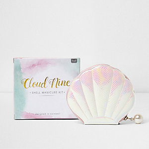 Cloud nine shell manicure set