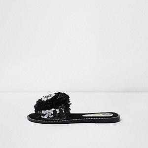 Zwarte verfraaide sandalen met raffia en bloem