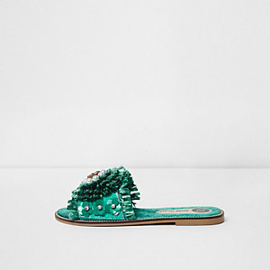 Sandales vertes avec fleur en raphia