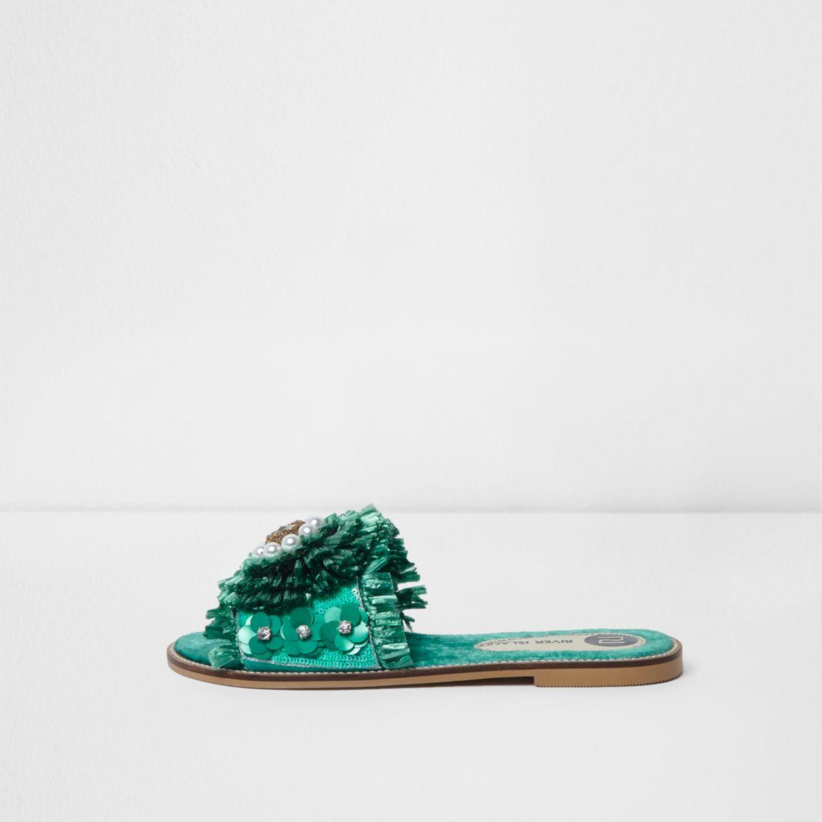 Groene verfraaide sandalen met raffia en bloem