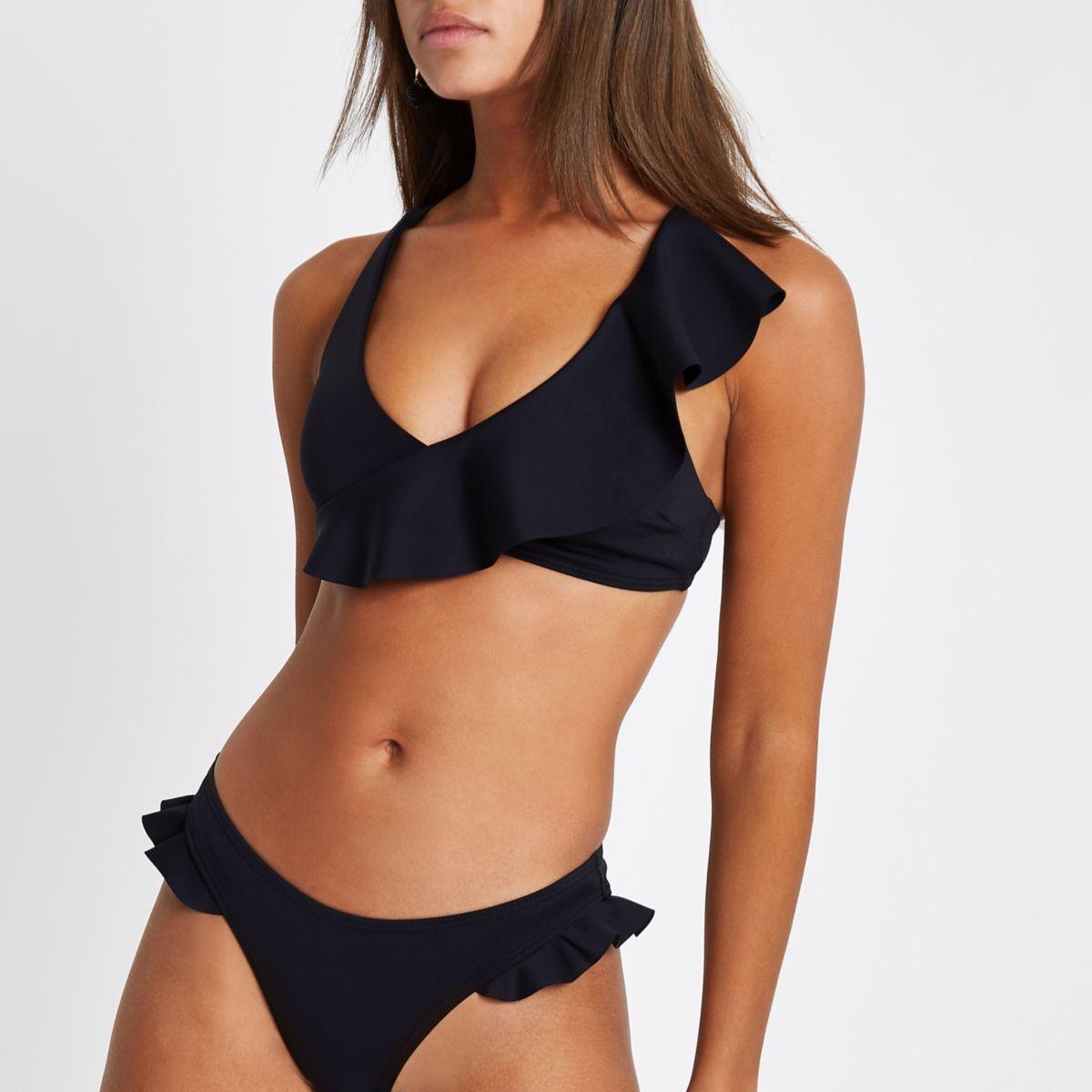 Zwarte cami-bikinitop met asymmetrisch e ruches