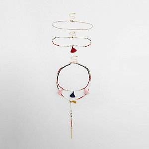 Parure collier rouge à perles multicolores et pampilles