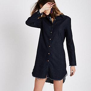 Robe chemise en jean bleu foncé à ourlet effiloché