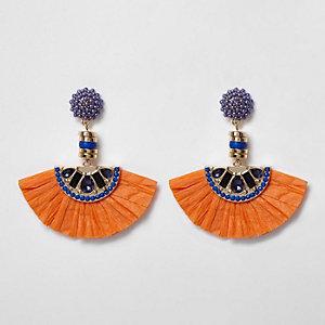 Pendants d'oreilles orange effet éventail en raffia avec fausses perles