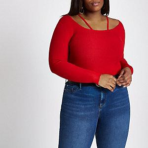 Plus – Roter Pullover mit Zierausschnitten