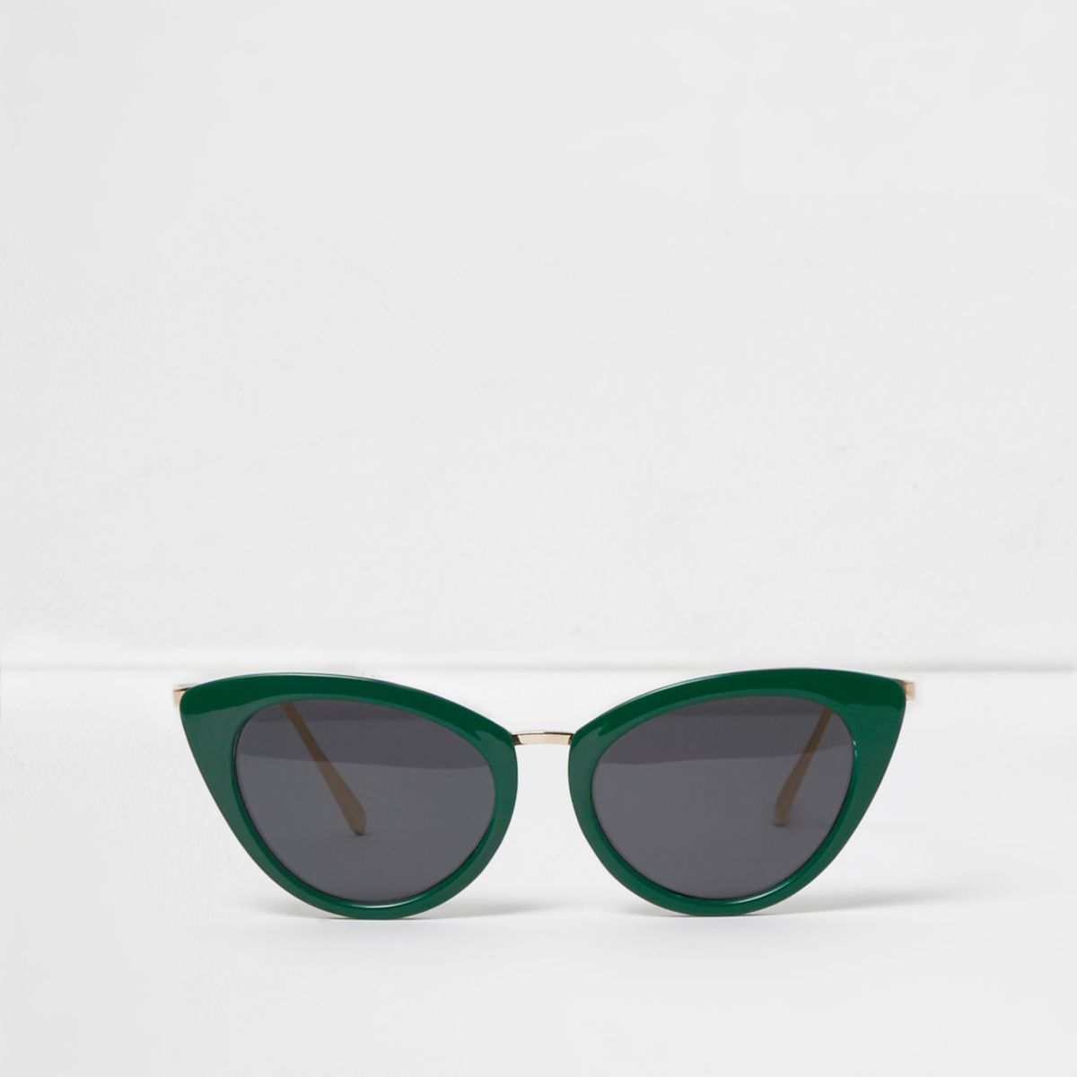 Green cat eye smoke lens sunglasses