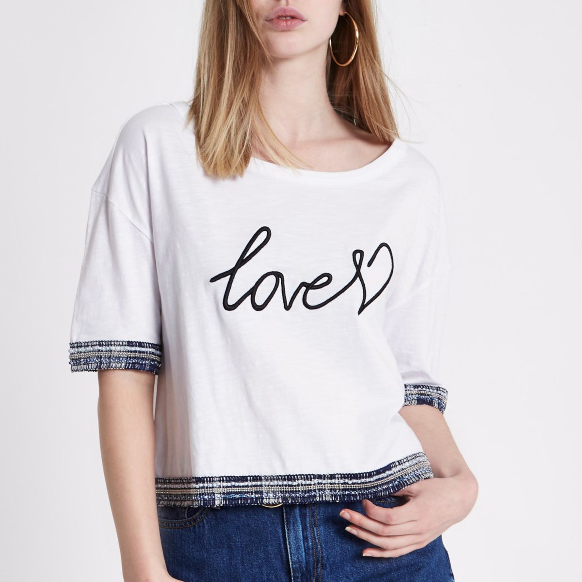 White 'love' embroidered trim cropped T-shirt