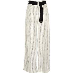 Pantalon large rayé blanc effet color block devant