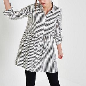 White stripe print ruched sleeve shirt dress