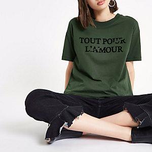 """Kastenförmiges T-Shirt """"Tout Pour"""" in Khaki"""