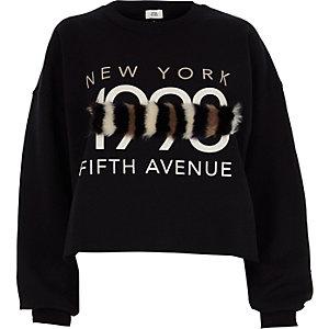 Zwart '1990' sweatshirt met paneel van imiatiebont