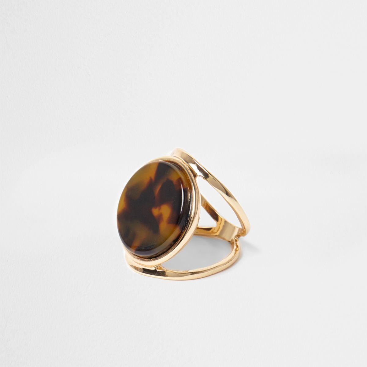 Gold tone tortoiseshell disc ring