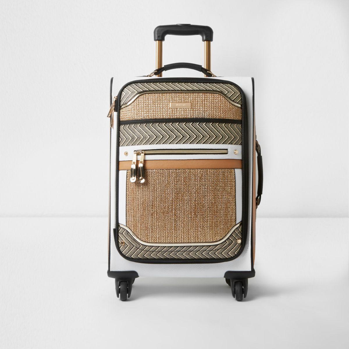 Beige koffer met vier wieltjes en gevlochten paneel