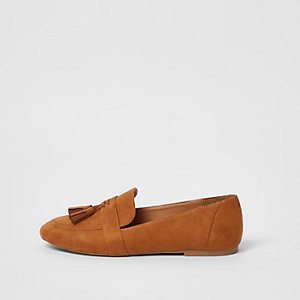 Tan tassel loafers