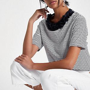 T-shirt coupe rectangulaire à rayures bleu marine et fleurs à l'encolure