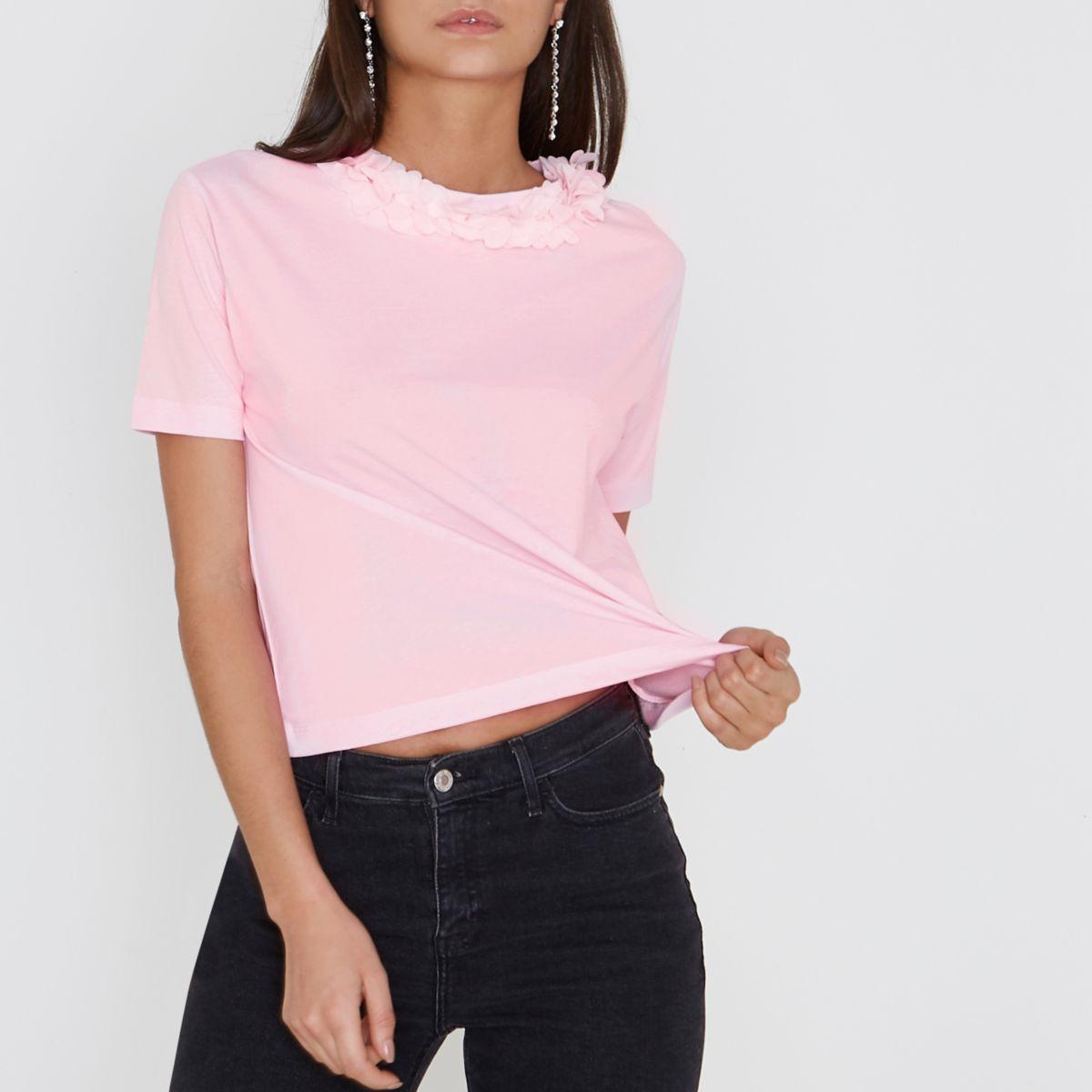 Roze recht T-shirt met bloemen om de hals