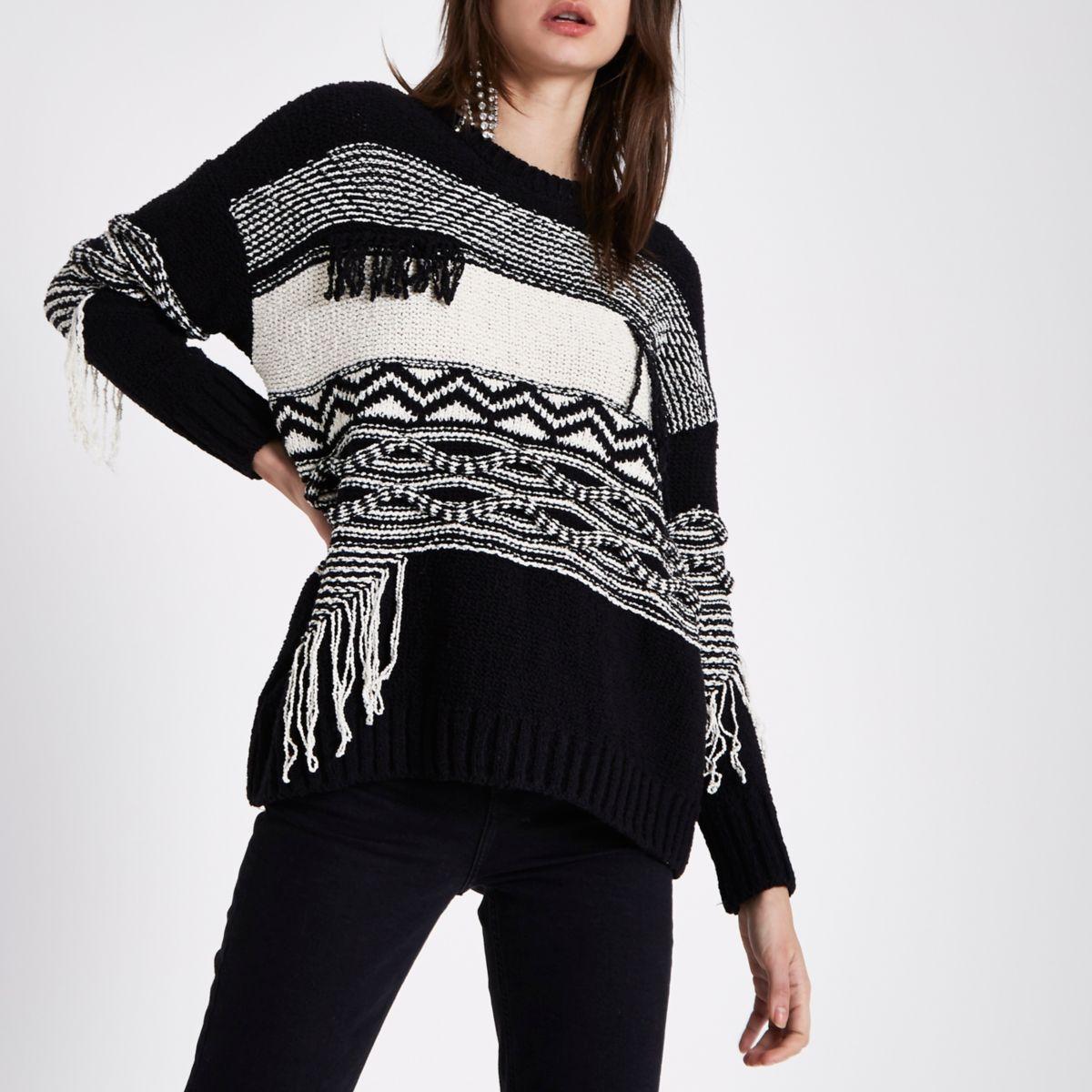 Pullover in Schwarz und Creme mit Ziernaht