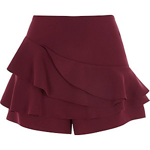 Burgundy tiered frill shorts