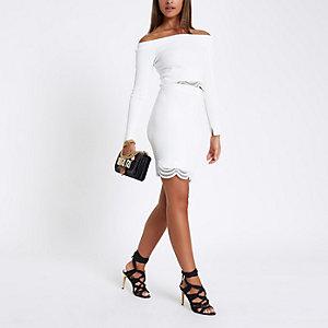 White knit scallop lace hem pencil skirt