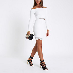 White knit scallop lace hem pencil skirt