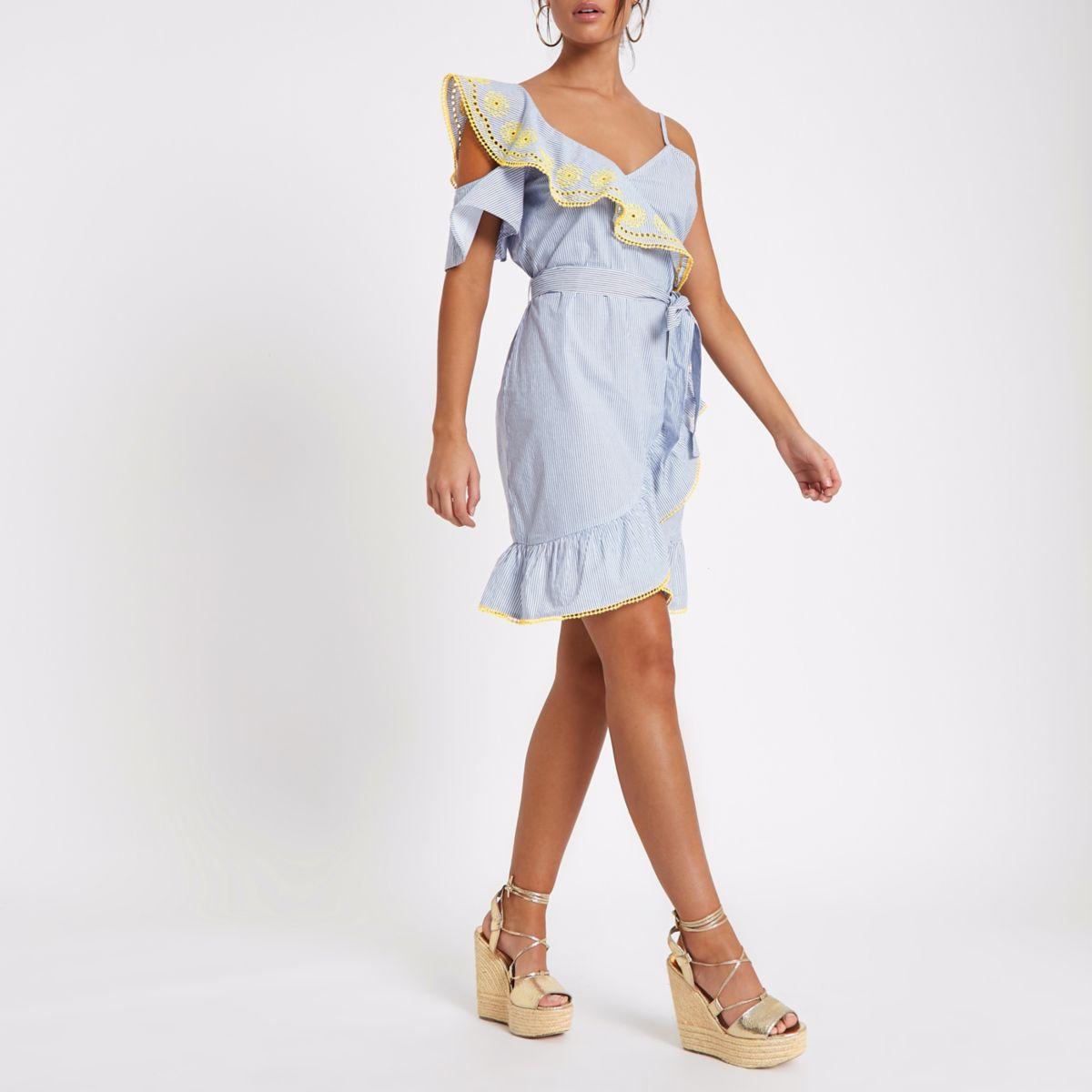 Blauwe gestreepte schouderloze jurk met borduursels