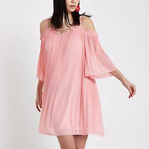 Robe trapèze en mousseline rose épaules dénudées