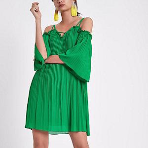 Robe trapèze plissée verte à épaules dénudées