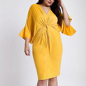 RI Plus - Gele midi-jurk met knoopeffect en ring