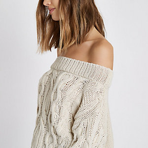 Bardot-Pullover in Creme mit Zopfmuster