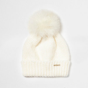 Cream feather pom pom bobble beanie hat